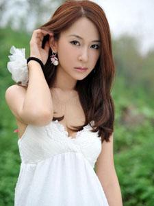 气质长发美女淑女白裙清澈飘逸