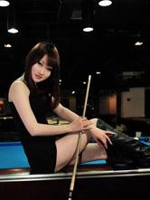嫩模齐B小短裙秀桌球技术