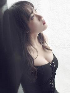 玉女yaoyao第一次湿身露乳写真