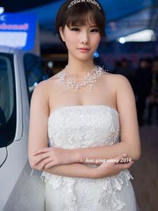 性感模特白衣纯洁高清大图