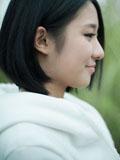 水瓶座短发女生清纯迷人图片