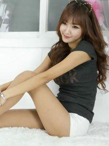 韩范的猫女郎丝袜美腿写真