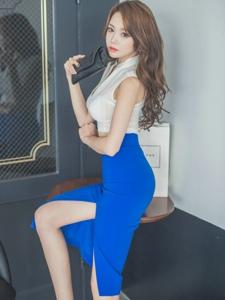 韩国模特翘臀迷人妩媚