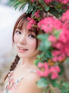 纯美萌妹子的花海写真