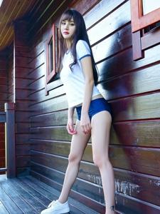 长腿学生妹美女性感写真