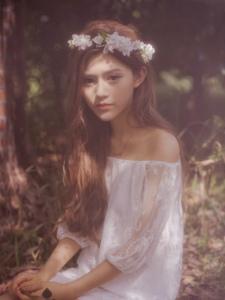 森林纯美蕾丝美女清新