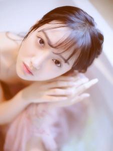 浴室清纯少女出水芙蓉湿身小性感