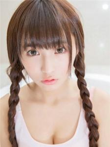 双马尾青涩少女甜美可爱浴室私房写真