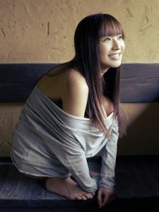 日本少女优木真央美寂寞私房性感孤独诱惑写真
