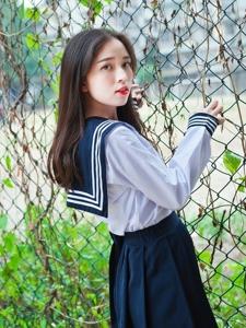 清纯学生妹校服校园内清新唯美甜美动人