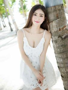 宅男女神SISY思海边气质白裙迷人写真