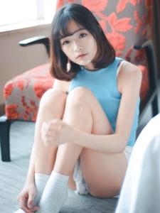 小清纯美女居家清新舒适甜美可爱写真