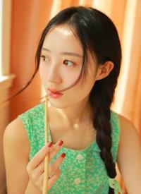 清新美女小畫家清涼夏日漂亮裙子