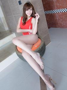 台湾腿模queenie粉红色性感内衣肉丝美腿