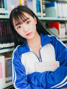 清纯萌妹子校园图书馆青春养眼
