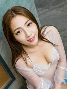 尤物Elma梦浴室透视白纱湿身魅惑美胸