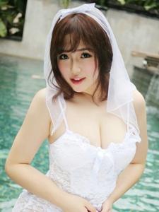 大胸美女徐cake雪白婚纱性感美臀写真