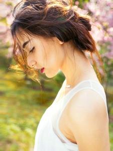 气质女神优雅高贵眼神迷离诱惑写真
