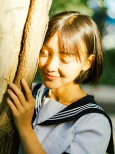 纯真校园妹子活力阳光调皮甜美笑容