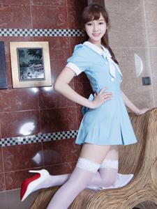 性感模特Tammy白色过膝袜极致诱惑写真