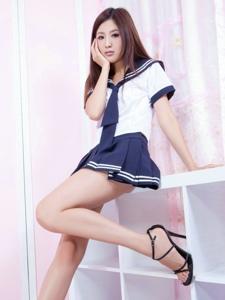 学生服光腿少女Vicni清纯甜美惹人爱