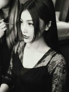 葛天透色蕾丝黑白美照香艳无比