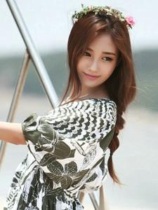 韩国甜美嫩模海边夏日清凉写真