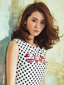 刘诗诗成熟魅力时尚杂志写真
