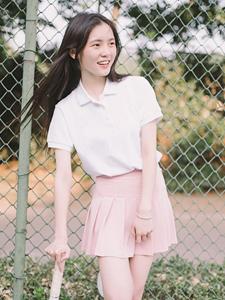 粉嫩少女网球场清新写真青春动人