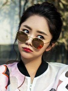 谭松韵正能量魅力时尚杂志写真集