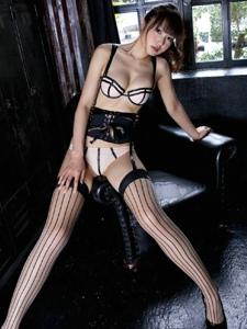 苗条性感美女私房丝袜美腿极致诱惑