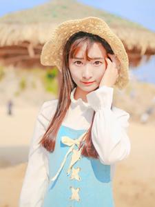 沙滩女孩阳光清纯写真魅力十足
