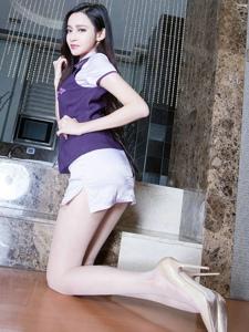 高挑腿模Avril空姐制服端庄长腿诱人