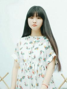清纯长发娃娃脸妹子可爱羞涩