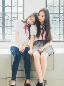 纯真姐妹花青春美好友谊