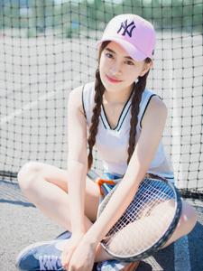 可愛網球少女夏日活力寫真