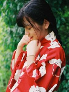 日系萌妹子甜美和服娇艳欲滴
