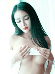 冷艳女王婕西儿半球裸露性感妩媚