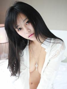 美女尤物易欣viya酥胸迷人闺房诱惑