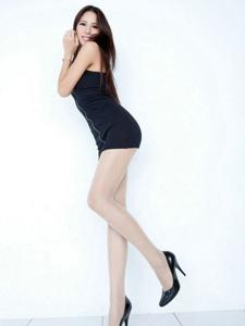 漂亮腿模Lorraine包臀短裙高跟长腿