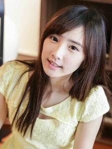 台湾美女模特郑裕蓁清新乖巧气质写真集
