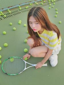 清新网球少女夏日活力写真可爱迷人