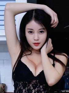 性感女神赵小米Kitty蕾丝透视美胸翘臀养眼