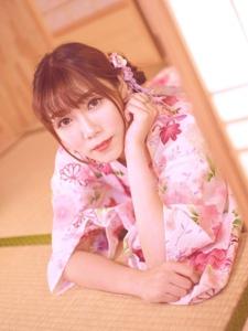 成熟美女日系和服鲜艳亮丽迷人