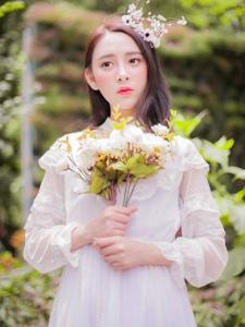 白纱女神恬静柔美花束花冠唯美动人