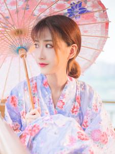 和服日系大眼美女凉亭温婉写真甜美可人