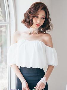 高挑美模白纱写真气质十足诱惑迷人