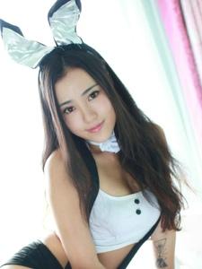 兔女郎玛鲁娜制服丰满美乳美臀过膝白丝