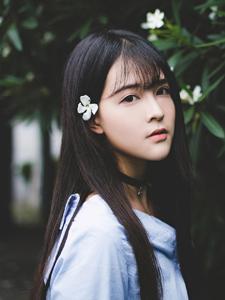 甜美少女雨季户外浪漫写真