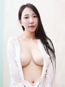 撩人美女WINNI胸器逼人写真